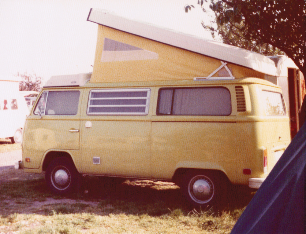 yellow vw top pop - tripping 1975
